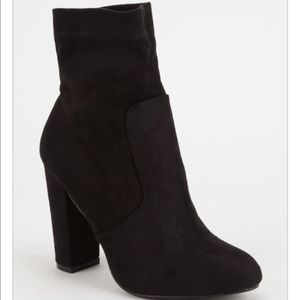 NEW black sock boots faux suede so 7